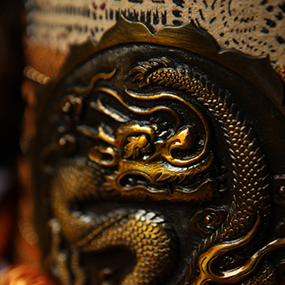 胴(本体)の龍の紋様